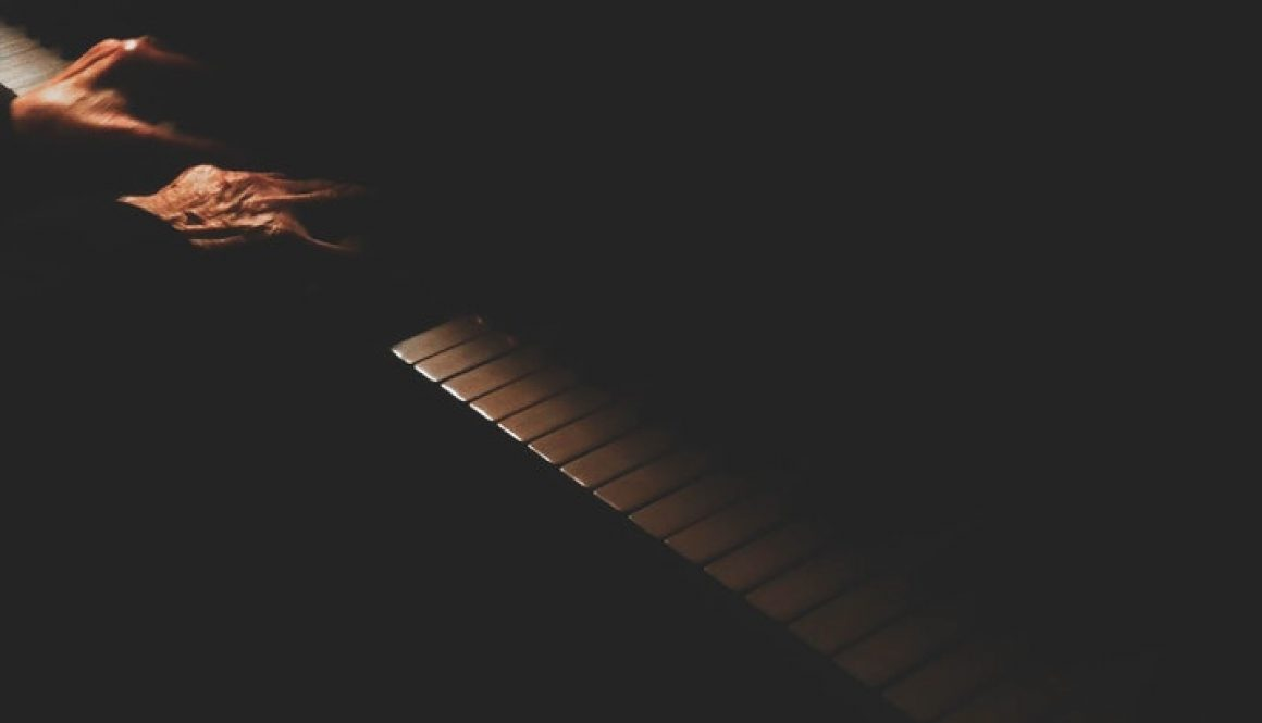 CHORDS: Alec Benjamin – Let Me Down Slowly Piano & Ukulele Chord Progression